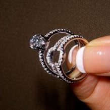 Inspiratia de vineri: inel de logodna si verigheta ce se completeaza