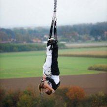 Nunta la inaltime: bungee jumping dupa depunerea juramintelor